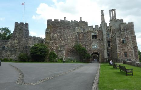 Berkeley Castle and Dr Jenner's House