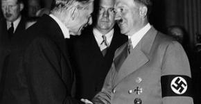 Why didn't Britain go either Fascist or Communist between the two world wars?